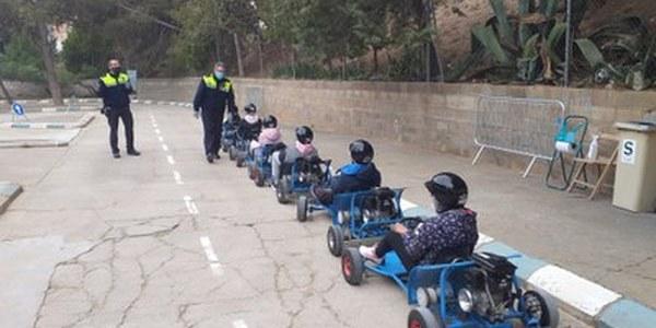 Alumnes de l'institut La Segarra milloren els karts del parc de trànsit municipal