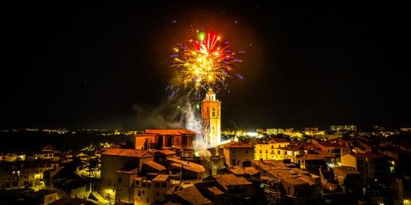 Focs artificials de fi de festa (foto Marc Llorens).