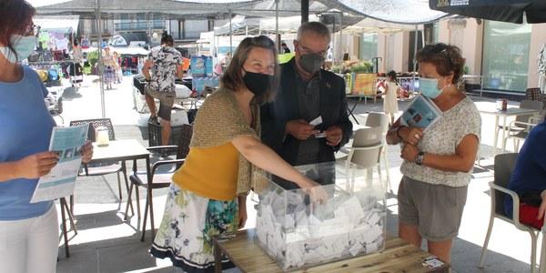 El sorteig es va fer divendres, coincidint amb el mercat, a la plaça Santa Anna.