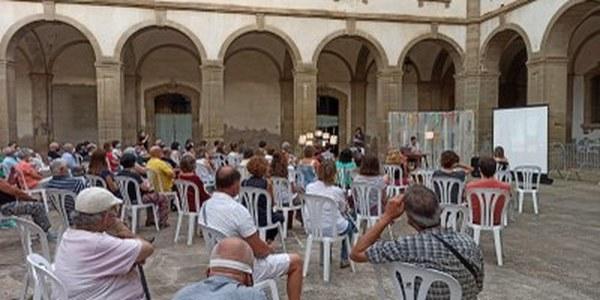 """Un """"diàleg entre art i literatura"""" obre la Festiuada"""