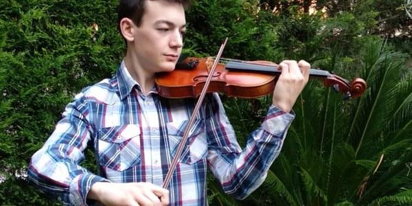 Marc McClay, violí